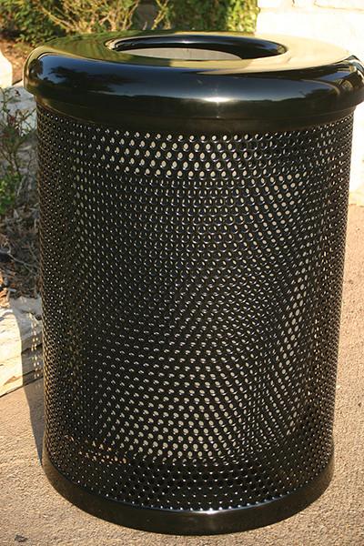 32 Gallon Trash Receptacle