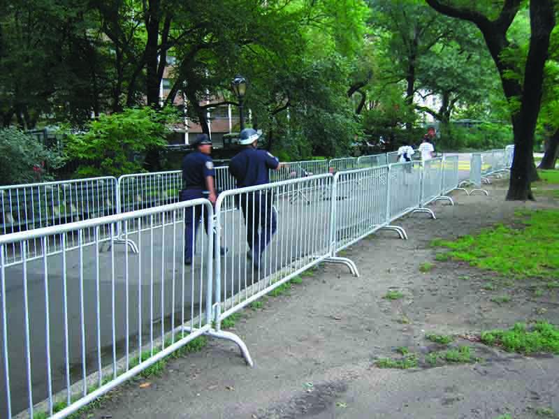 Galvanized Steel Crowd Control Barricade